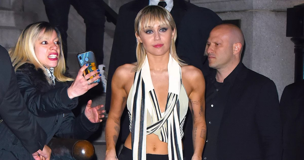 Miley Cyrus Left the Marc Jacobs Show in a Vintage-Inspired Belly Shirt