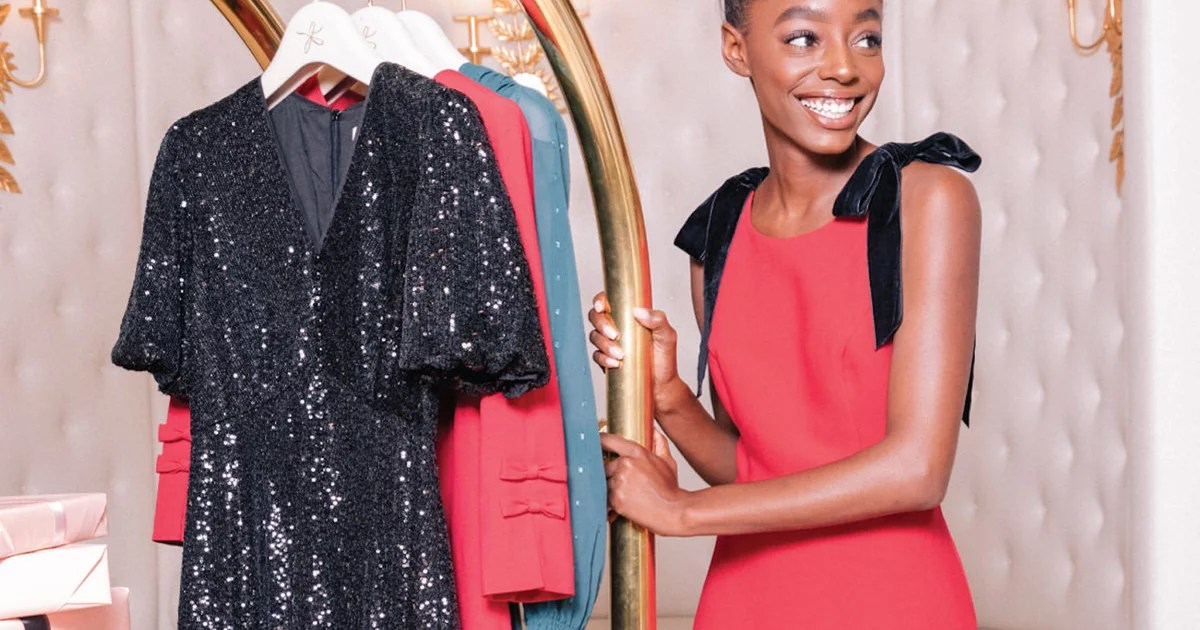 Put aside the gift hunting for just a second and think about C'mon, you know you need a good holiday dress. It will come in handy for upcoming
