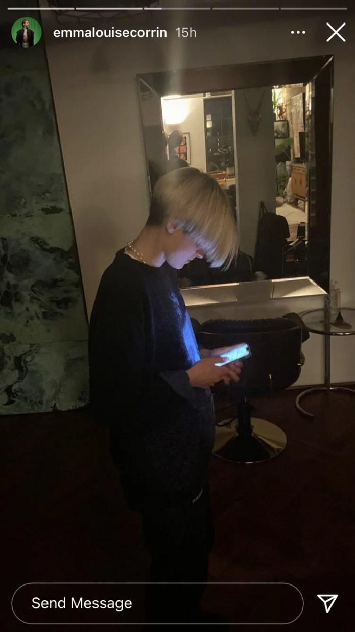 Emma Corrin's Inverted Bob Haircut Seems to be Like '90s Leo's