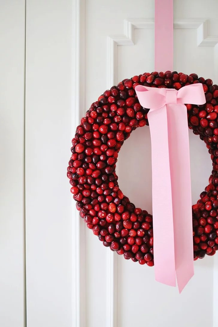 DIY Cranberry Wreath DIY Christmas Decorations Kids Will