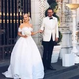 OMG! Heiress Amanda Hearst Wore Not 1, but 5 Stunning Gowns For Her Extravagant Wedding