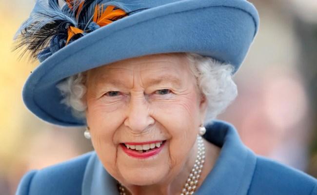 Where Does Queen Elizabeth Ii Live Popsugar Celebrity