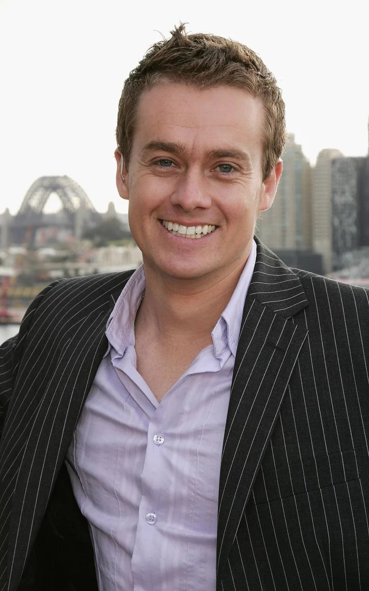 Sunrise Weatherman Grant Denyer Gets Naked In Front Of The Sydney Opera House For Photographer