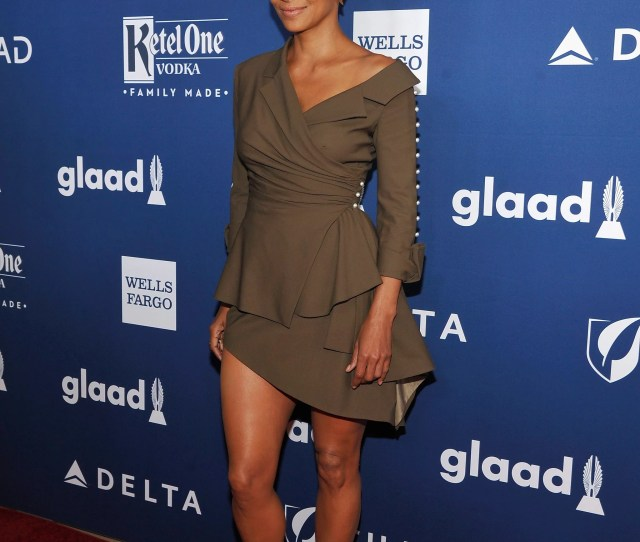 Celebrity Entertainment  Halle Berry Pics So Sexy Youll