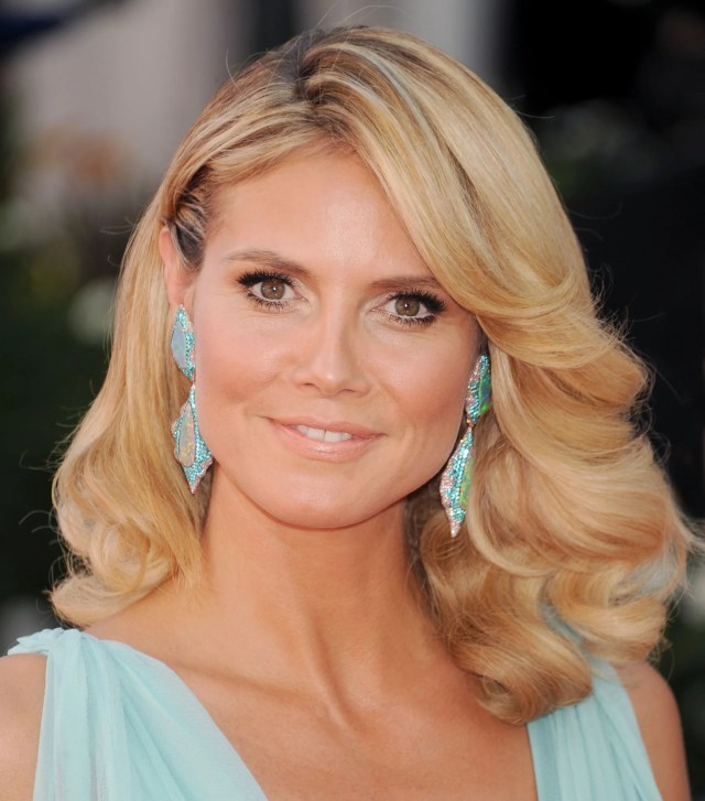 at the 2012 emmys, heidi channeled farrah fawcett with this