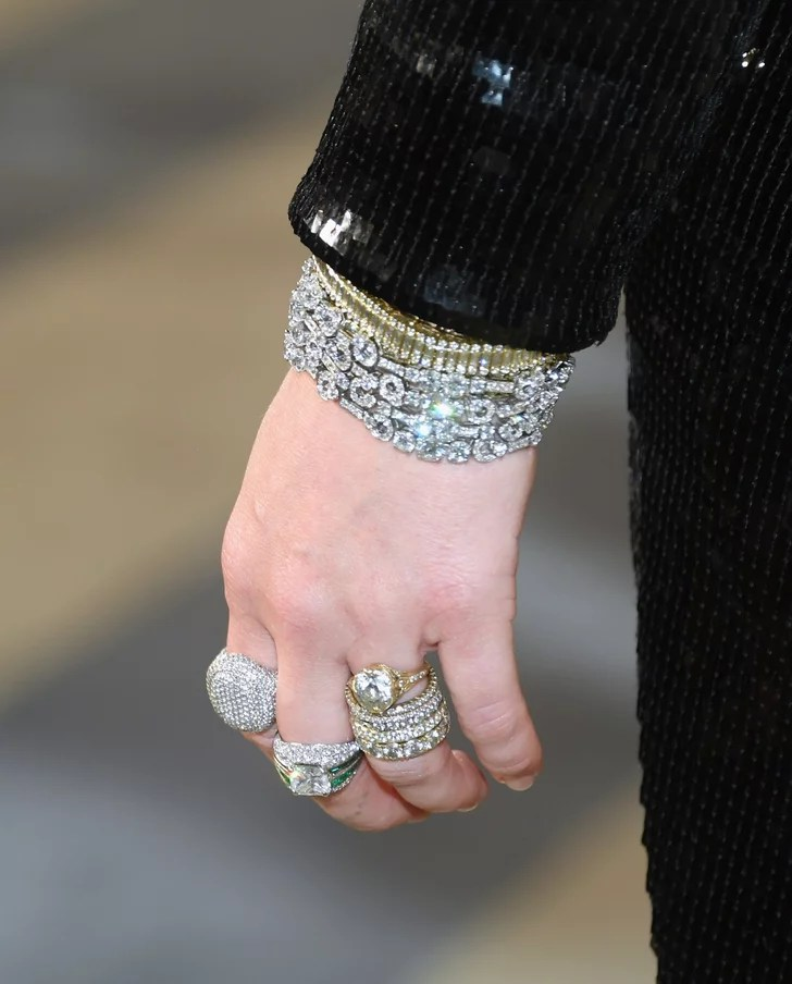 Engagement Ring Trend 2020 Yellow Gold The Biggest Engagement Ring Trends Of 2020 Popsugar