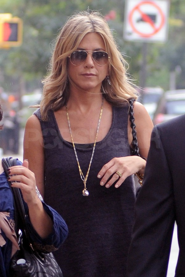 Jennifer Aniston Accessorized With Long Gold Chain And