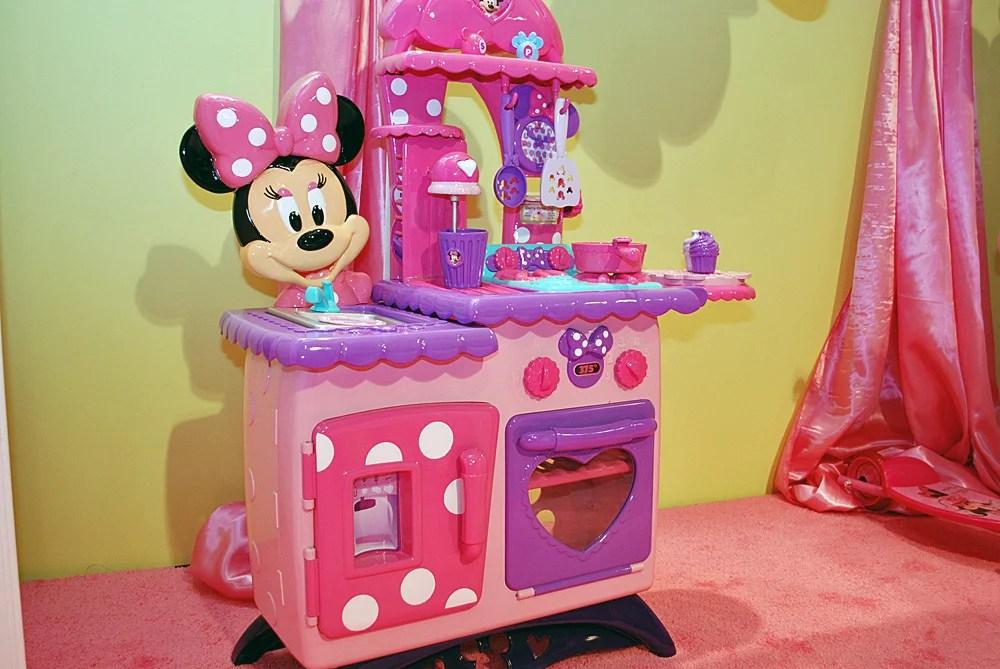 Minnie Mouse Bowtastic Kitchen  2012 Toy Fair Photos  POPSUGAR Moms Photo 24