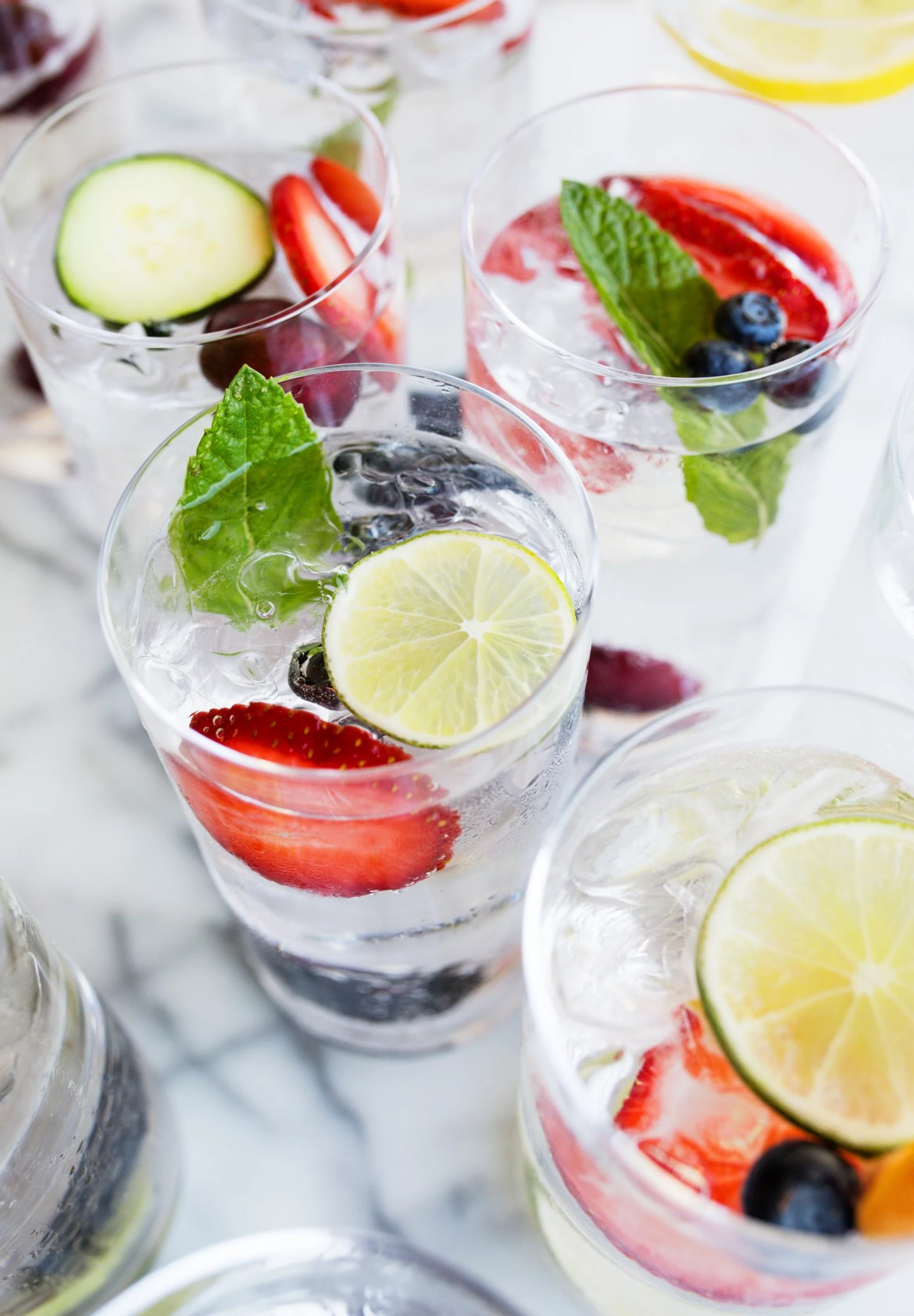 Here's the Difference Between Seltzer, Soda, and Tonic Water 30