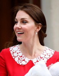 Kate Middleton's Pearl Earrings Leaving the Hospital