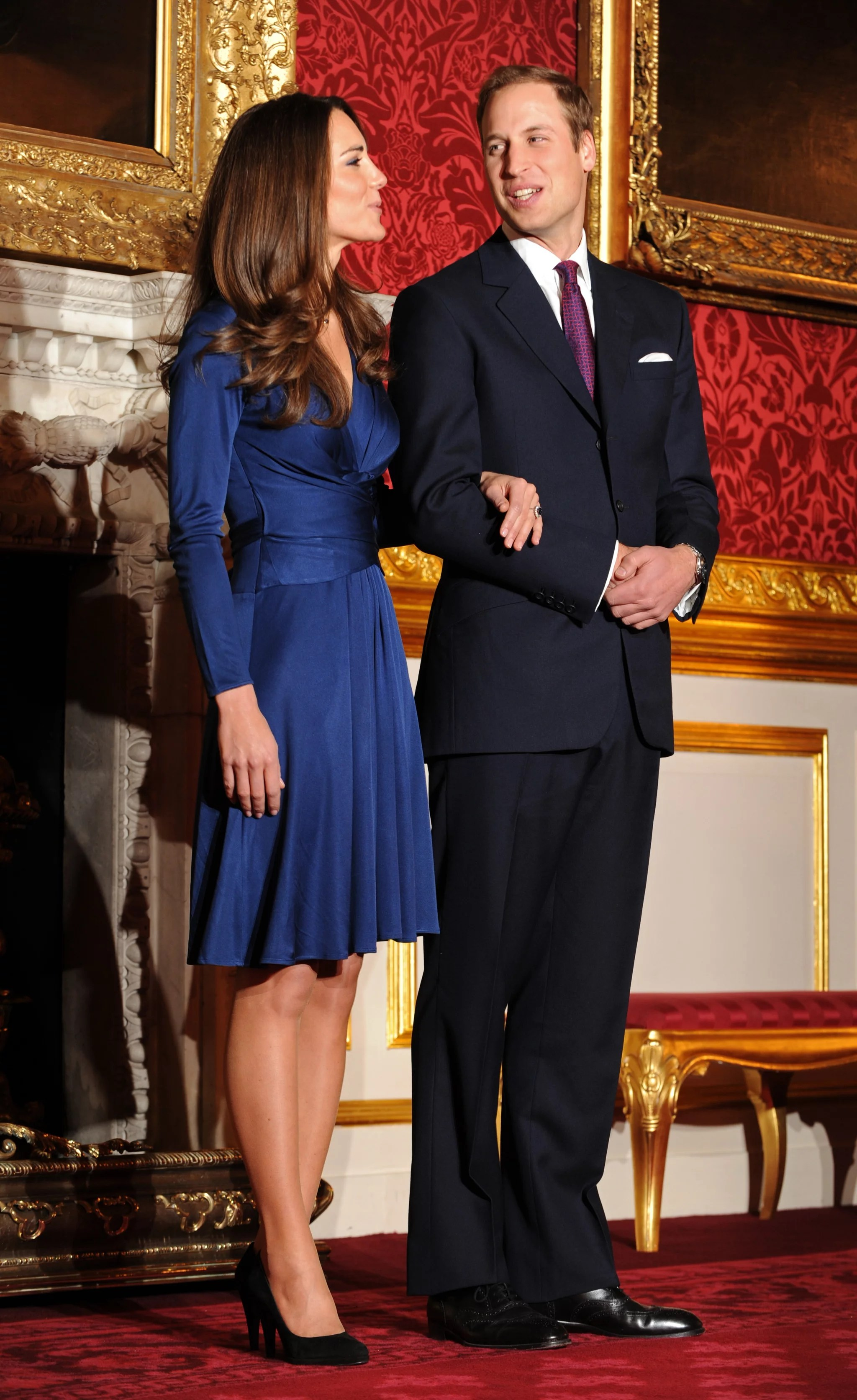 Pictures of Engaged Prince William and Kate Middleton Pose