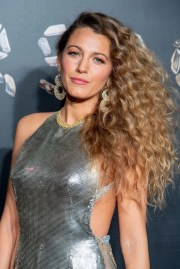 blake lively's curly hair