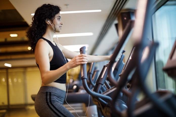 Entrenamiento de cardio en el gimnasio