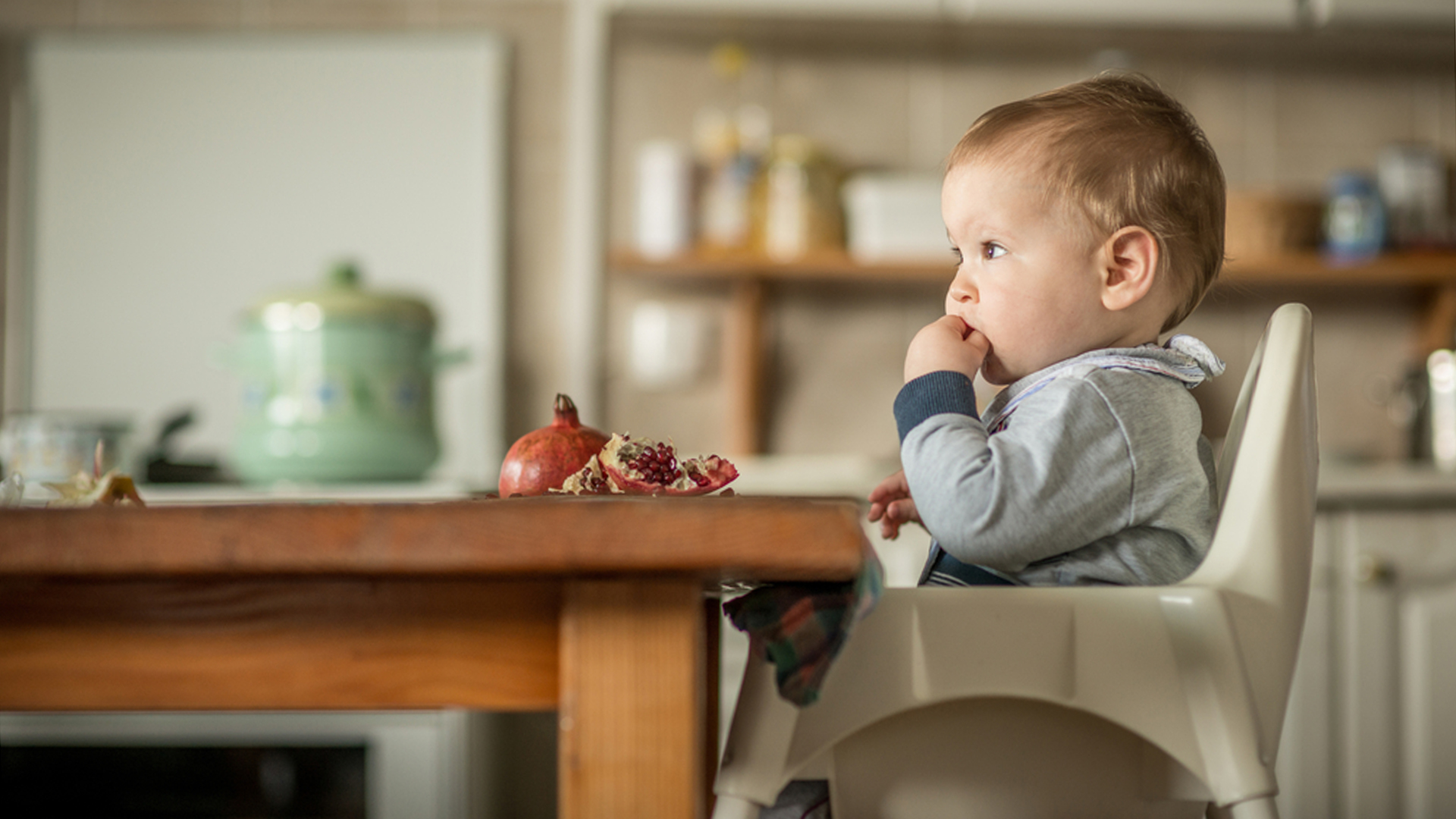 baby chairs for eating pub table and chair sets dad warns parents of infant choking hazard with snack food