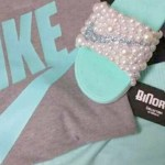 Thedress Part 2 Debate Over Colors In Nike Outfit Pink