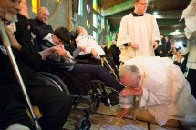 Pope Francis Washes Kisses Feet In Holy Thursday Ritual