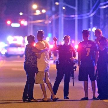 Image: Police at Orlando shooting scene