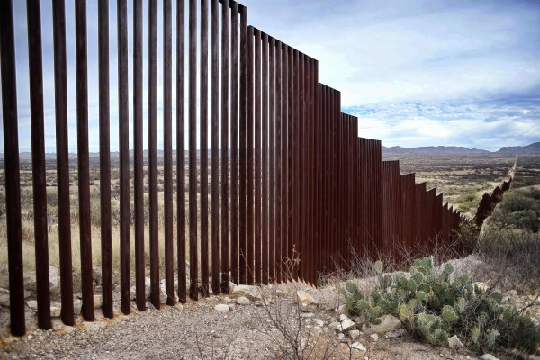 Trump Expected Sign Order Fund Border Wall