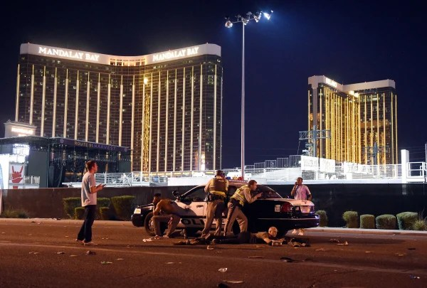 Image: Las Vegas police stand guard after shooting