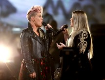 Kelly Clarkson and Pink Performance
