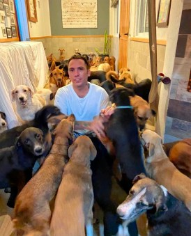 """""""A Perfect Example of Humanity"""" - Man opened Mexico home to 300 dogs to shelter them from Hurricane DeltaRicardo Pimentel"""