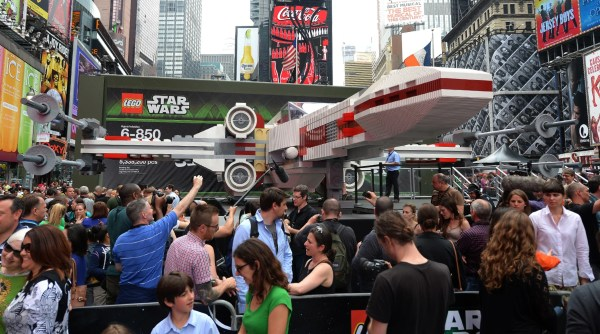 Life-sized Star Wars X-wing Fighter World' Largest
