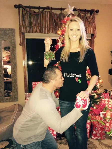 15 Of The Cutest Holiday Themed Pregnancy Announcements