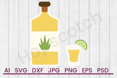 Download 330ml Green Glass Juice Bottle Mockup Yellowimages