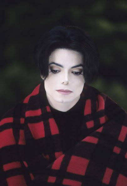 https://i0.wp.com/media1.webgarden.com/images/media1:4b8975cc16d8c.jpg/MICHAEL-JACKSON-I-LOVE-YOU-SO-MUCH-FOR-ALL-TIME-michael-jackson-10604792-405-594.jpg