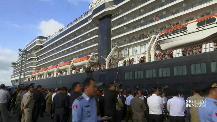 Passengers quarantined because of coronavirus begin leaving ...