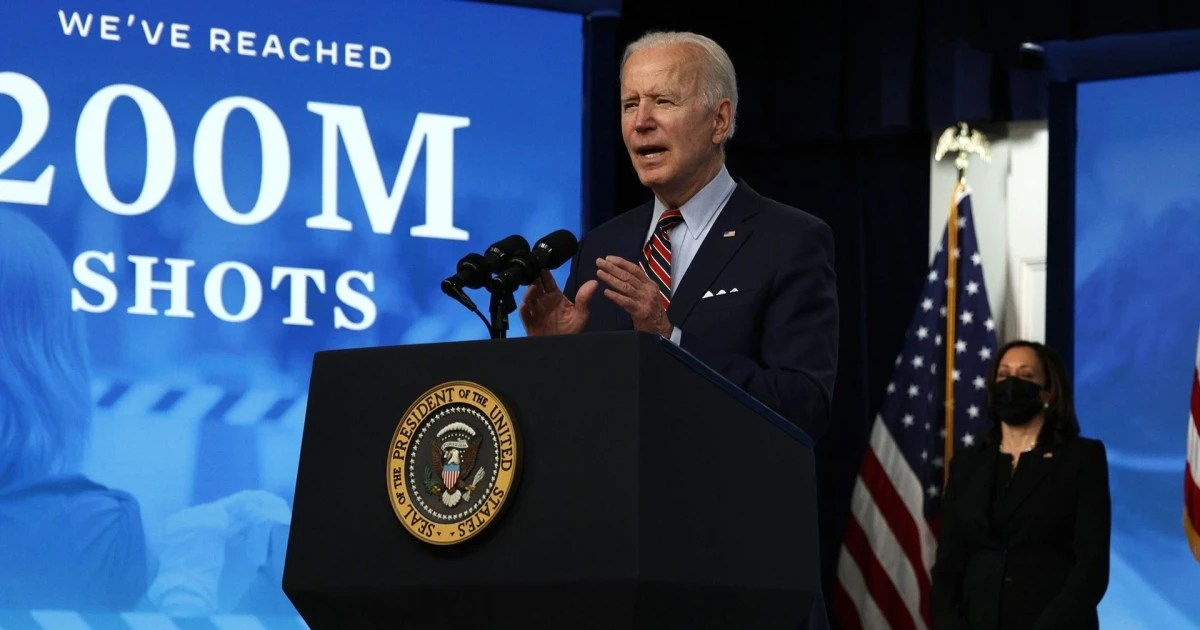 Biden calls on businesses to give employees time off with pay to those receiving Covid vaccine
