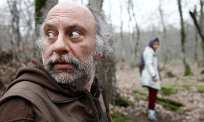 A murderous chef from the older generation (Babak Karimi)