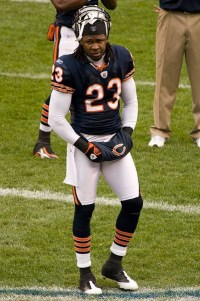 Devin Hester is set to race a cheetah
