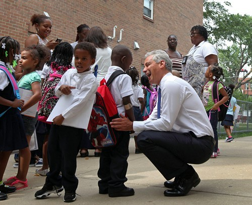 Mayor Rahm meets students at Willa Cather Elementary in East Garfield Park on the first official day of school.