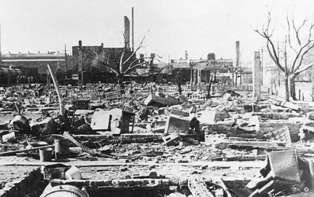 Hasil gambar untuk cleveland east ohio gas explosion