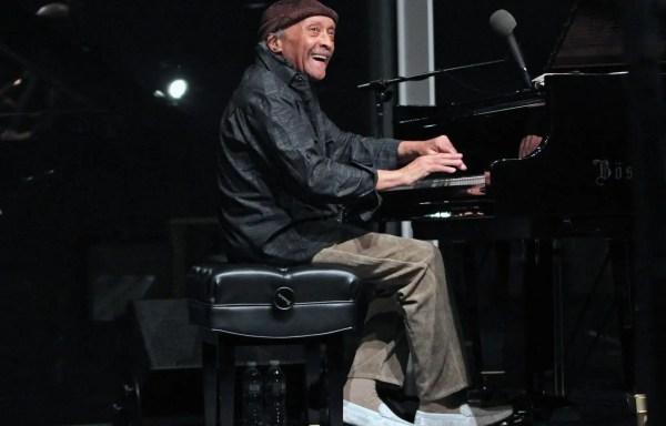 Le Musicien Ricain Cecil Taylor L' Des Grands Matres Du Jazz Libre Est Devoir