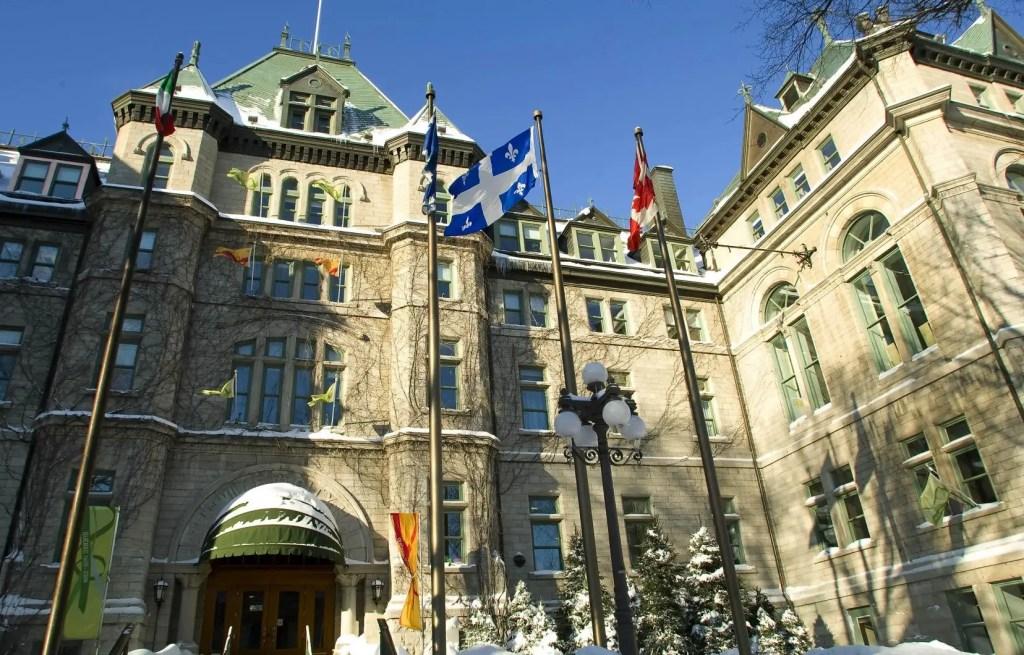 La Ville de Québec n'abolira pas les référendums municipaux