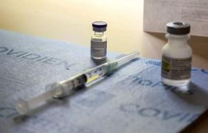 Le vaccin de BioNTech-Pfizer serait bel et bien efficace contre le variant anglais