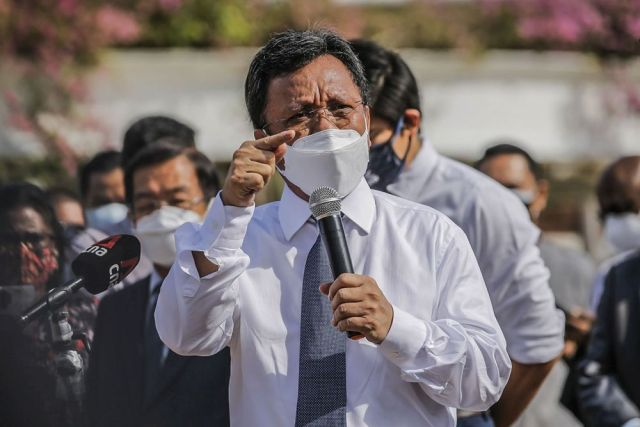 The Semporna MP reminded his fellow Opposition lawmakers that they had been elected to federal power in GE14, but had their mandate 'stolen' from them. — Picture by Hari Anggara