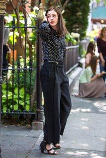 Intern Anne Hathaway