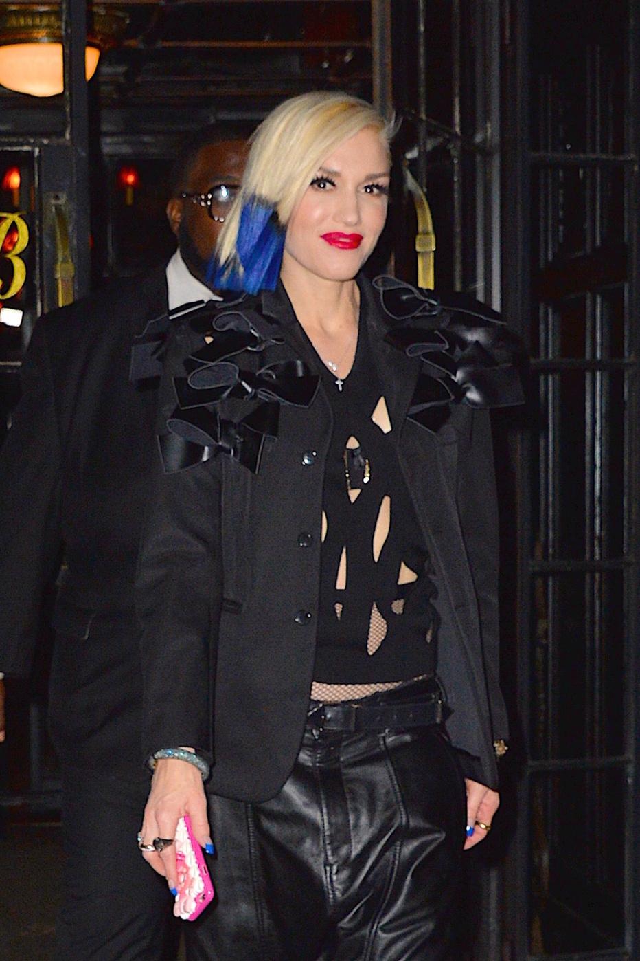 Gwen Stefani è tutti i sorrisi dopo avere debuttato la sua canzone di disfacimento