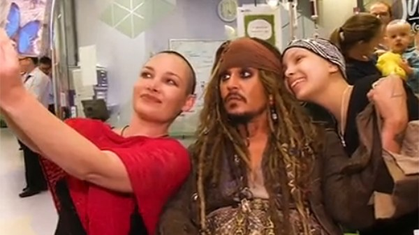 Johnny Depp Dresses Jack Sparrow Surprise Kids Children' Hospital