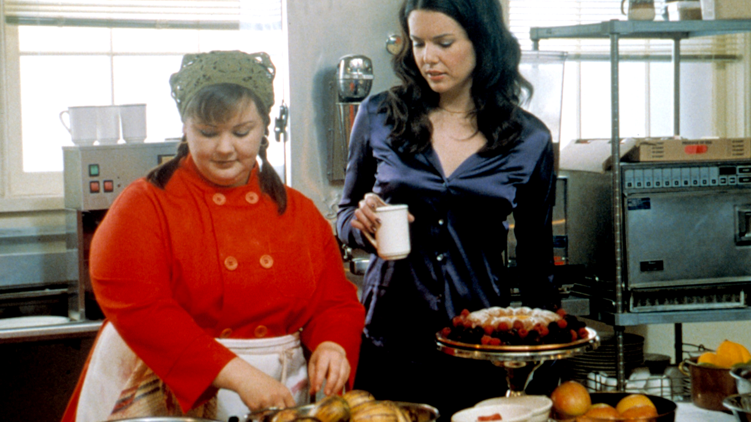 Gilmore Girls A Year In The Life Wallpaper Melissa Mccarthy Returns As Sookie On Gilmore Girls Set