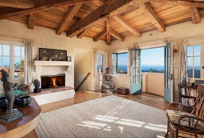 Jeff Bridges lists his California home for 295 million