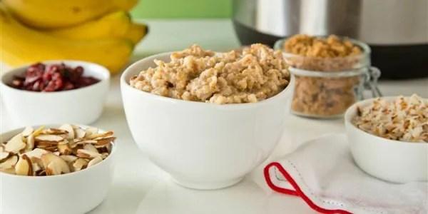 Overnight Oatmeal: Make-Ahead Slow-Cooker Maple Oatmeal