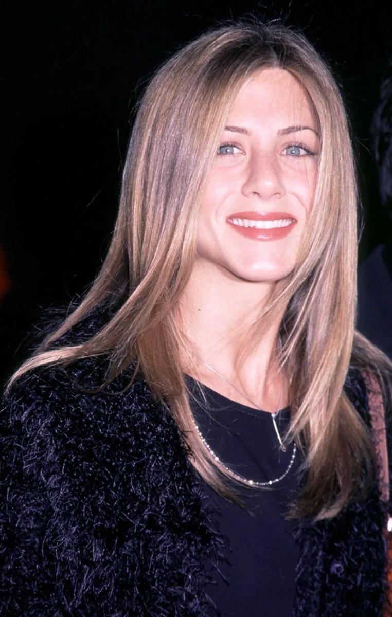 Jennifer Anistons Hairstyles Amp Hair Evolution