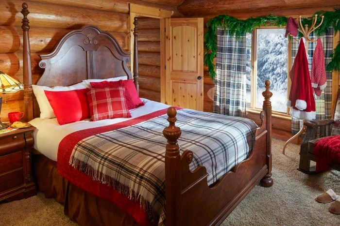 Take A Tour Inside Santa S House In The North Pole Today Com