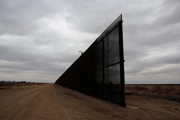 ' U.-mexico Border Trump