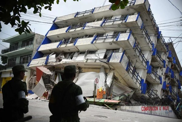 Image: 8.2 magnitude earthquake shakes Mexico