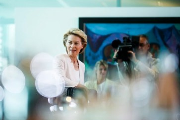 Image: German Defense Minister Ursula von der Leyen arrives for the weekly cabinet meeting of the German government at the chancellery in Berlin